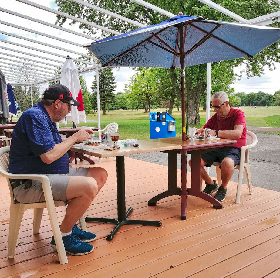 Golf Club Reopens veranda for food and drinks