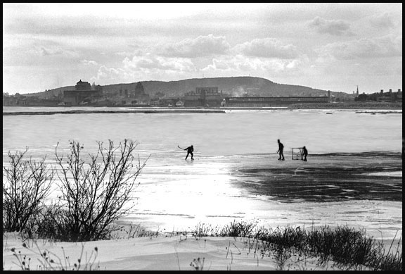 The above picture is a composite that portrays skating on the St. Lawrence as Andy remembers it from his youth.